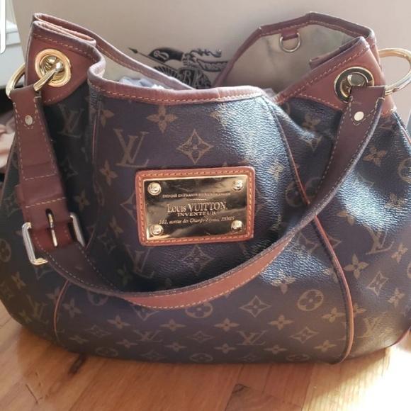 Louis Vuitton Handbags - Louis Vuitton Galleria PM